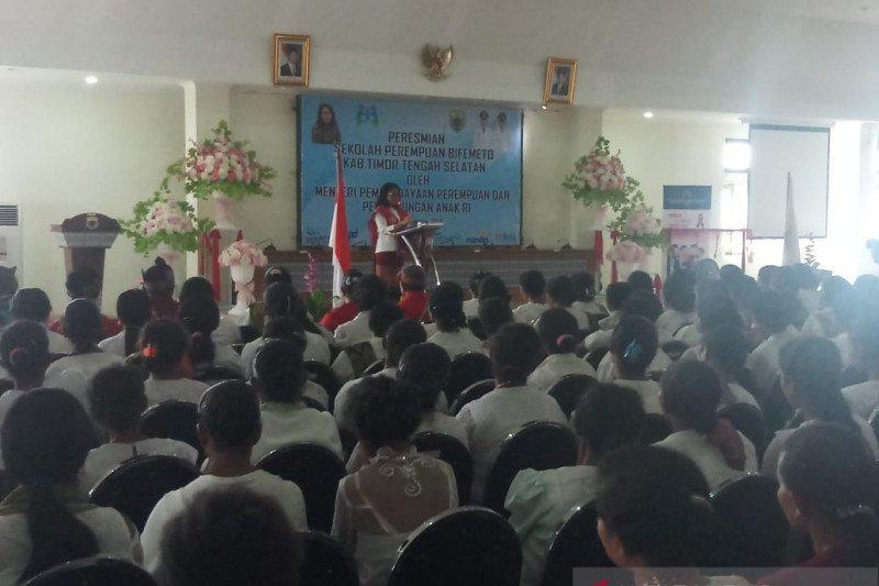 Menteri Puspayoga apresiasi Program Mekaar