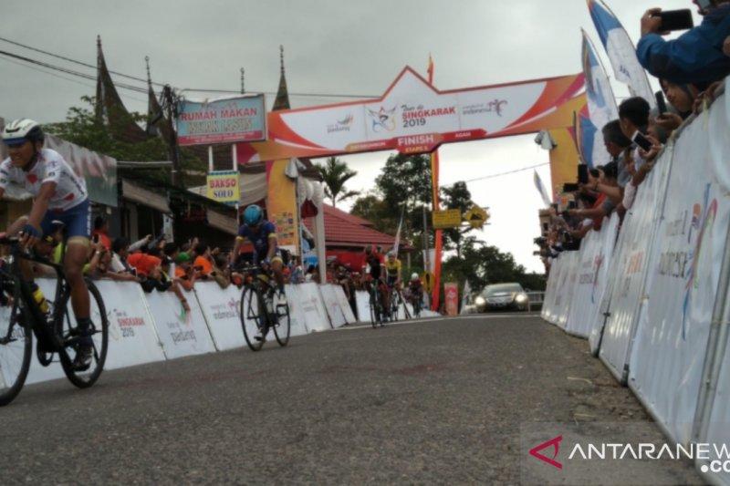 Pebalap hadapi tantangan etape terpanjang Tour de Singkarak
