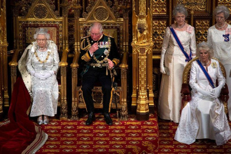 Camilla istri Pangeran Charles membatalkan kegiatan karena sakit