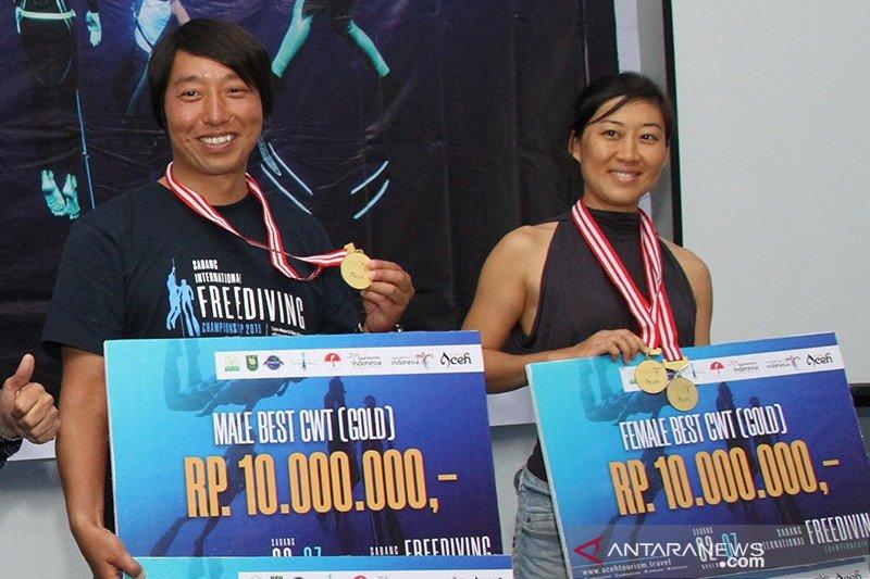 Atlet  China raih  juara umum freediving internasional Sabang