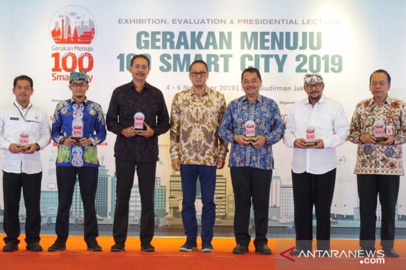 "Denpasar raih penghargaan kategori ""Best City Smart Economy 2019"""