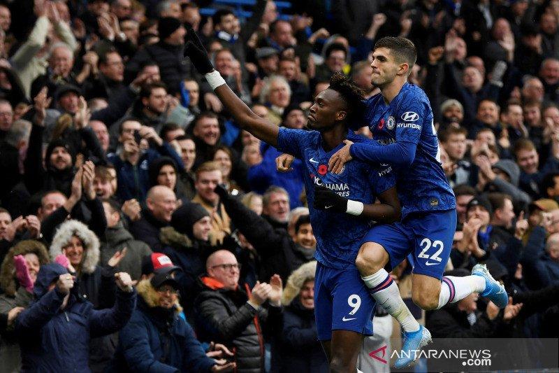 Chelsea melompat ke posisi kedua usai tundukkan Crystal Palace 2-0