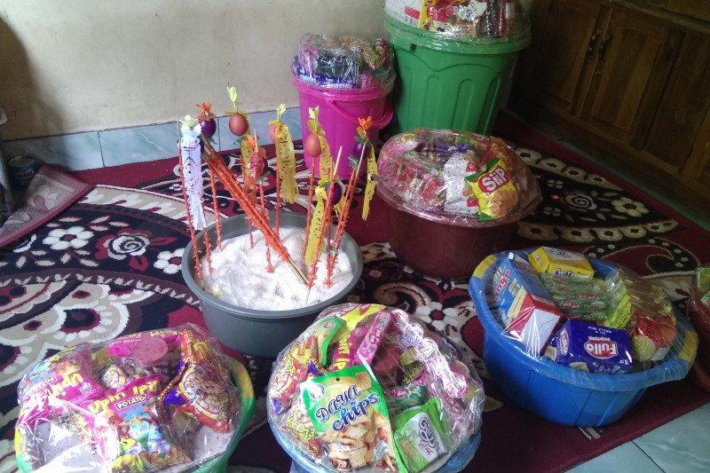 Maulid Nabi Muhammad di Bugis dimeriahkan telur warna-warni