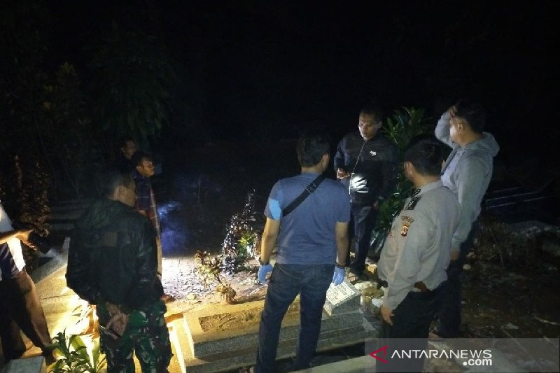 25 makam rusak secara misterius di TPU Kampung Pakaemitan II Tasikmalaya