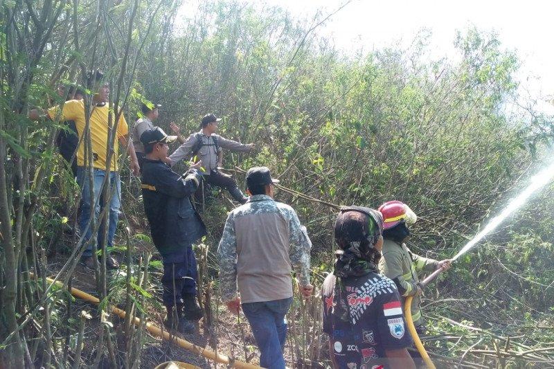 Kebakaran hutan dan lahan di Sukabumi diduga akibat bara puntung rokok