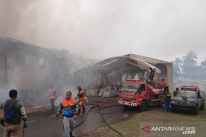 Aula SPN Polda Kalsel terbakar saat berlangsung pesta perkawinan