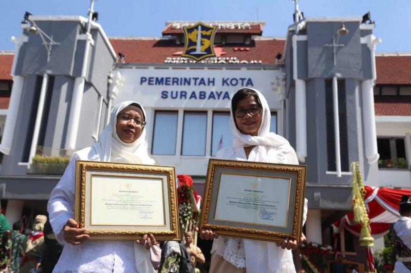 Pemerintah Surabaya beri penghargaan untuk Emo-Demo pada Hari Pahlawan