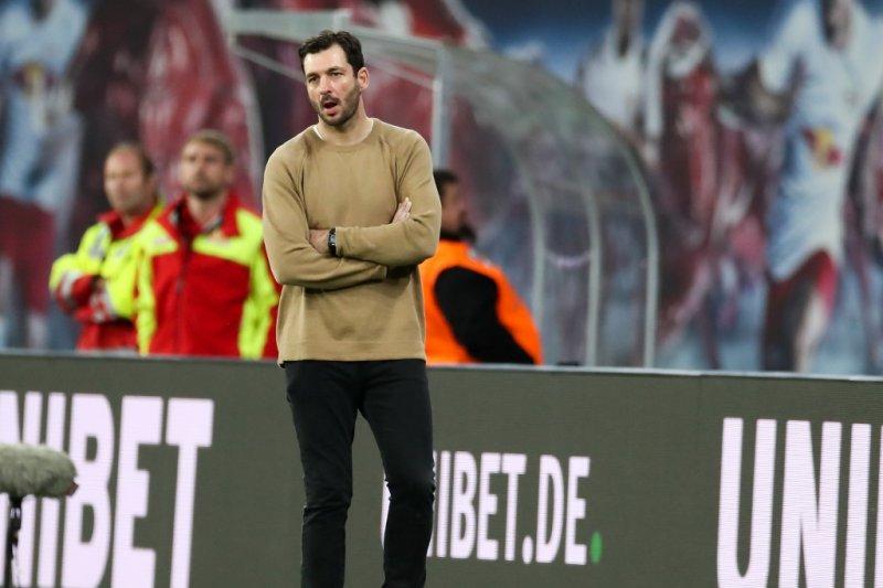 Schwarz pelatih ketiga Liga Jerman yang dipecat dalam sepekan