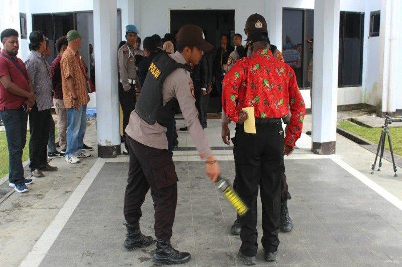 183 personil Polri amankan prosesi pelantikan anggota DPRD Puncak Jaya