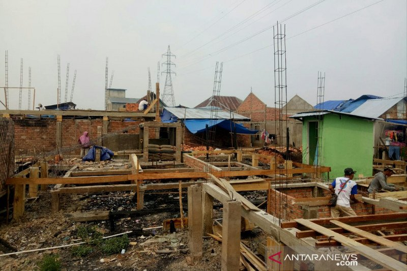 Pembangunan kembali  103 rumah terbakar di palembang hampir selesai