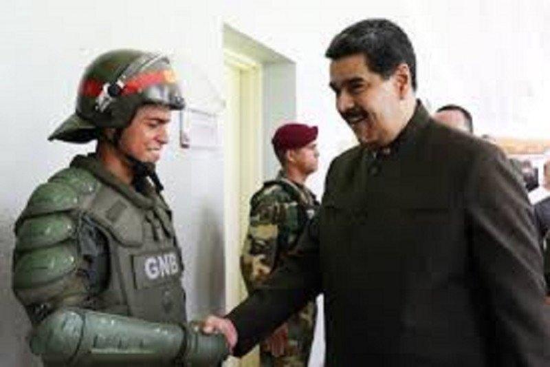"Presiden Venezuela Nicolas Maduro kecam ""kudeta"" terhadap sekutunya Morales"