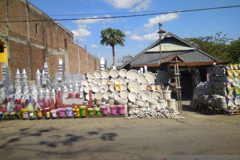 Perajin batu di Kabupaten Sidrap terus berinovasi