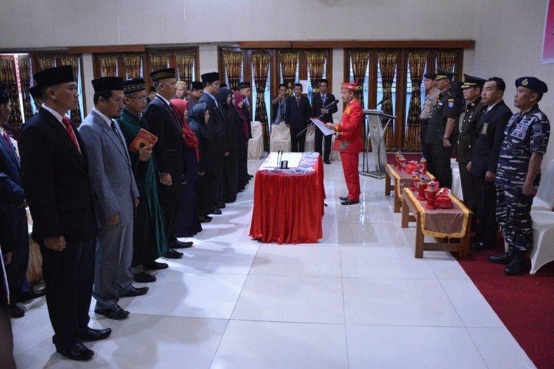 Pj Sekda dan 11 pejabat struktural di Seruyan dilantik