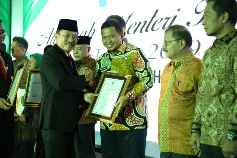Pemkot Makassar raih penghargaan daerah percontohan kesehatan nasional 2019