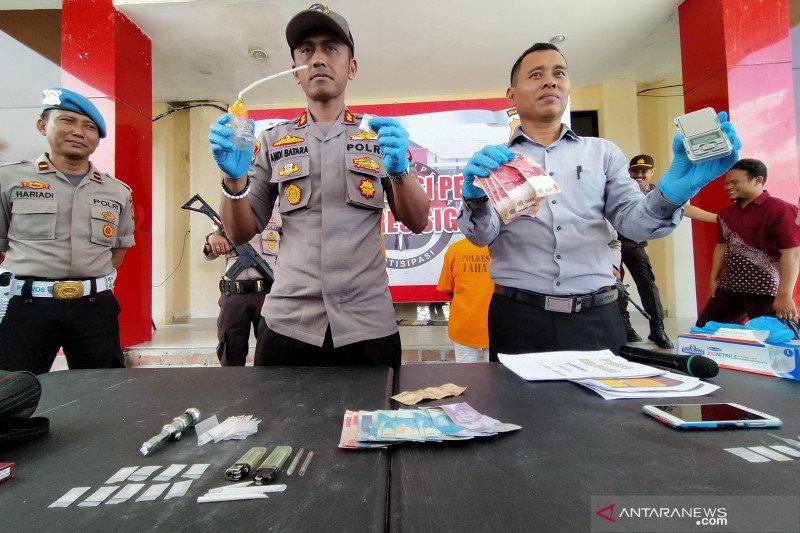 Polres Sigi ringkus tiga terduga pengedar sabu