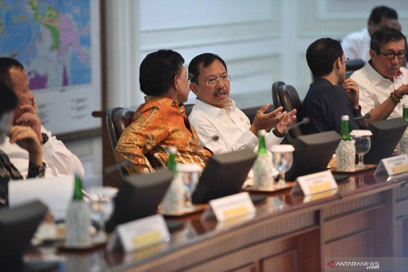 Suasana rapat kabinet terbatas di Istana Kepresidenan