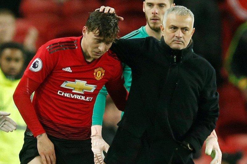 Victor Lindelof akui kangen Jose Mourinho
