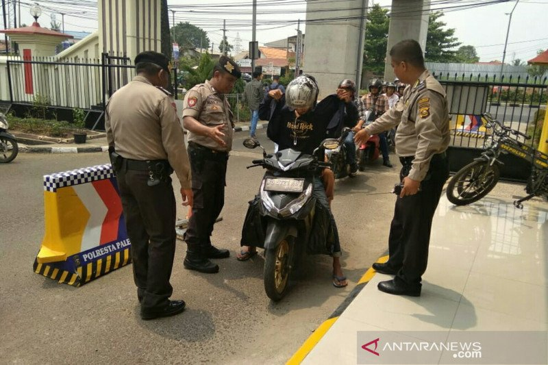 Polrestabes Palembang perketat keamanan  pengunjung