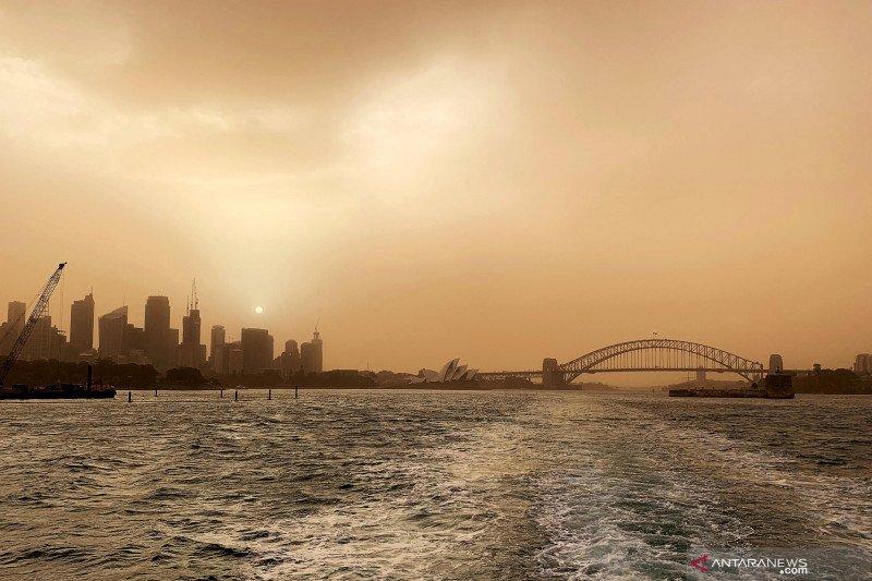 Australia bersiap hadapi angin kencang, kilat di tengah ancaman kebakaran hutan