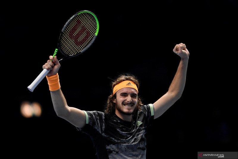 Singkirkan Federer, Tsitsipas melaju ke final ATP Finals