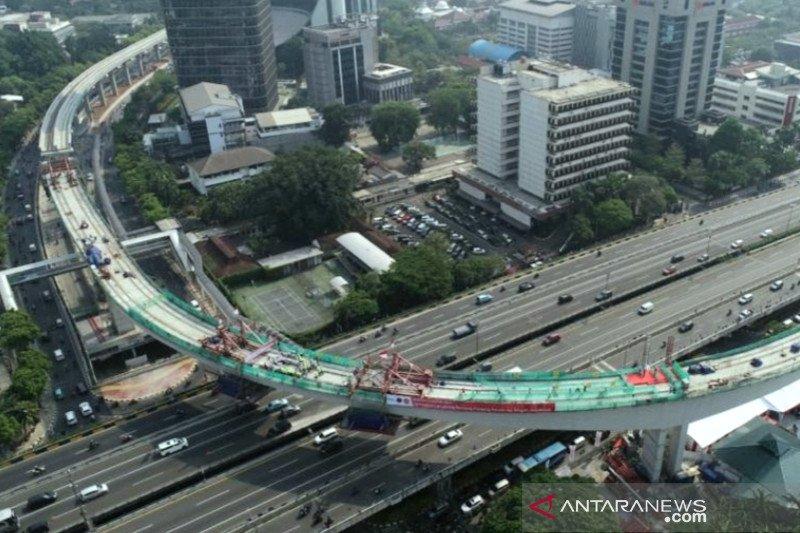 Presiden Jokowi apresiasi atas tersambungnya jembatan tersulit LRT