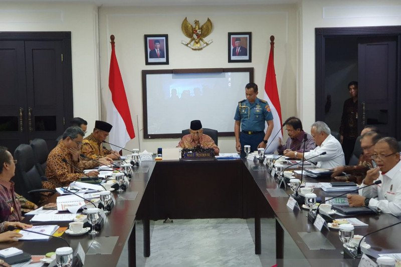 VP Ma'ruf Amin leads meeting on reconstruction in Palu, Lombok