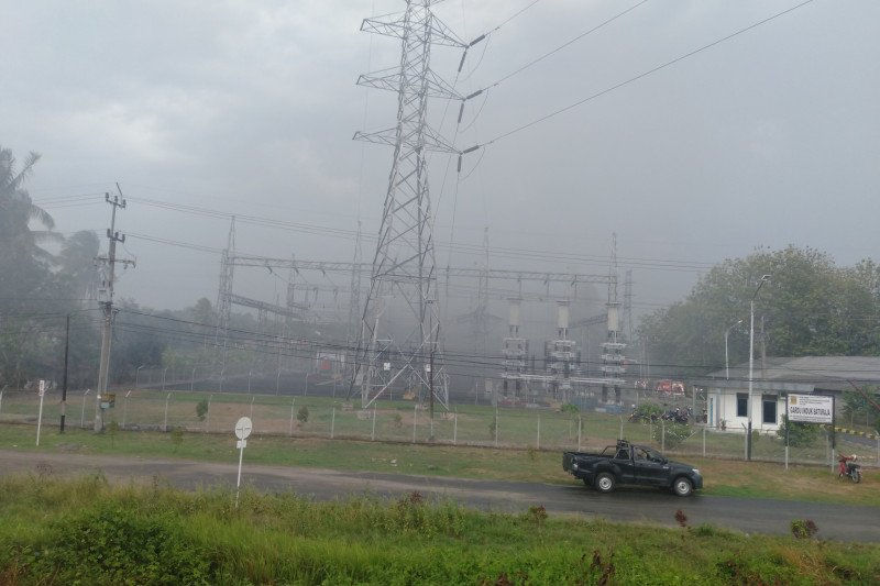 Gardu induk PLN Rayon Baturaja meledak