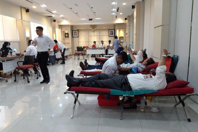 Indonesia Re bangkitkan semangat berbagi di hari jadinya ke-34