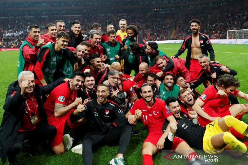 Diimbangi Islandia, Turki amankan tiket Piala Eropa