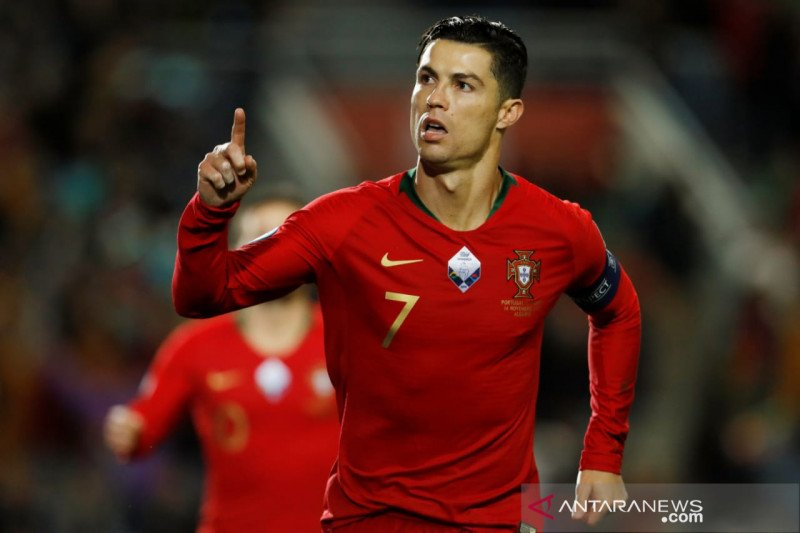 Ronaldo cetak trigol warnai pesta gol Portugal lawan Lithuania