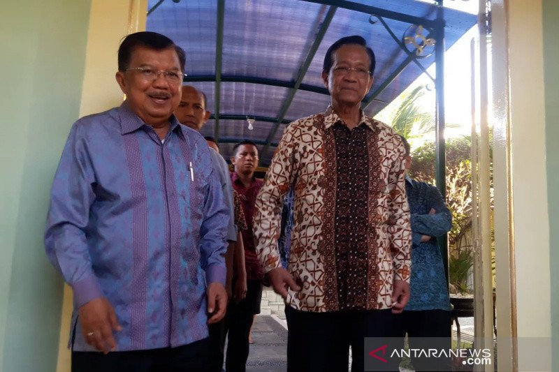 Jusuf Kalla bersilaturahim dengan Sri Sultan HB X di Kepatihan Yogyakarta