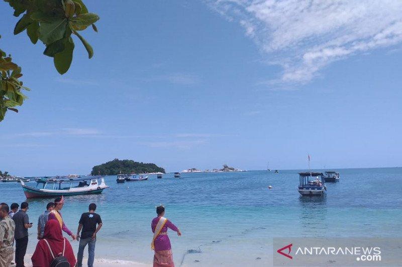 Putri Pariwisata dorong komunitas kelola Pantai Penganak