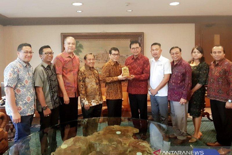 Para tokoh Bali temui Menparekraf tanyakan destinasi ramah muslim