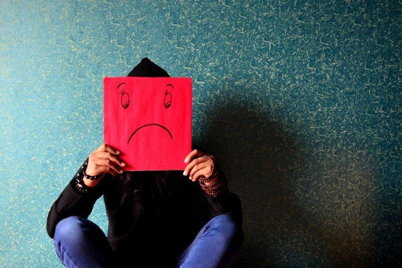 Di usia berapa manusia merasa paling tidak bahagia?