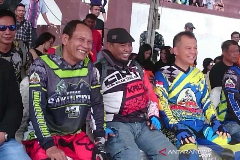 Ratusan rider bersaing dalam Trail Adventure Nukat Sakalepah