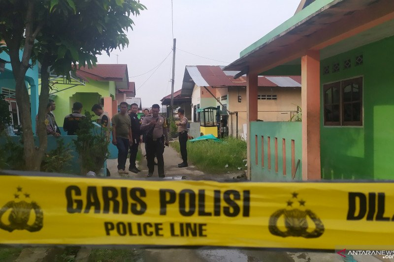 Terduga teroris ditembak mati  di Sumut adalah perakit bom bunuh diri
