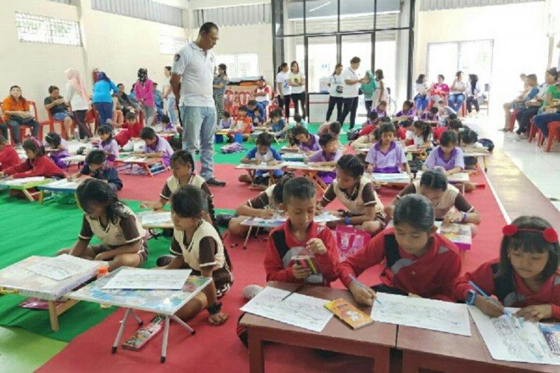 Ditpolairud Polda Sulut bangkitkan kecintaan anak terhadap bahari
