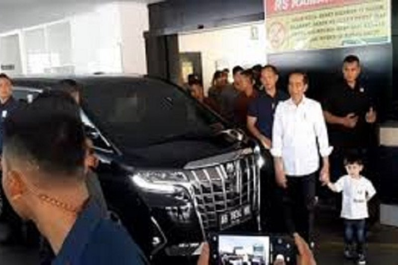 Presiden Jokowi tengok cucu ketiganya di Rumah Sakit PKU Muhammadiyah