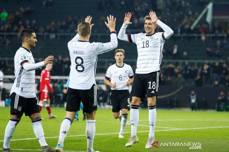 Jerman cukur Belarusia dan puncaki Grup C