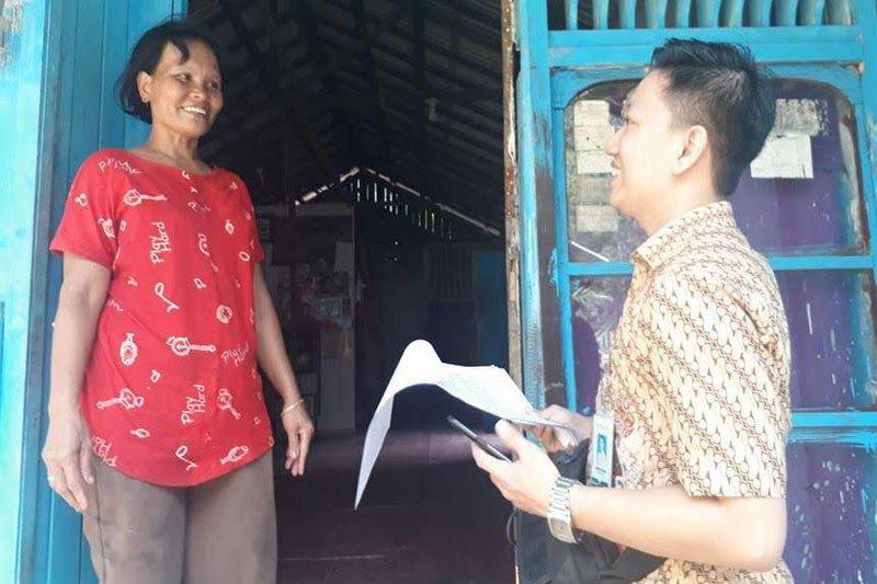 BPJS datangi warga Desa Marga Jaya untuk memastikan KIS diterima