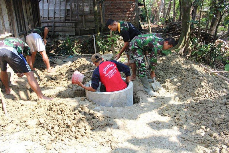 Desa Pengaringan OKU bangun  puluhan unit jamban gratis