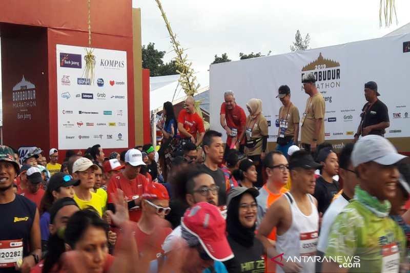 Ribuan pelari meriahkan  Borobudur Marathon