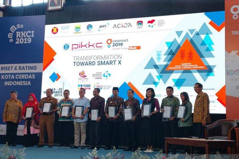 Manado terima penghargaan smart city