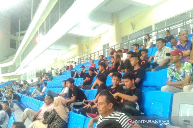 Pemain tim pelajar Indonesia saksikan laga Korsel lawan China
