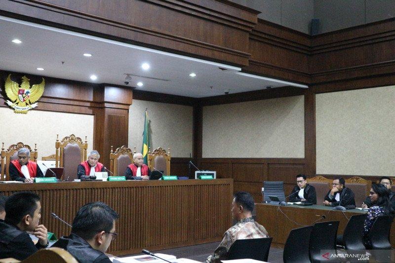 Perantara suap mantan bupati Kepulauan Talaud dituntut 4 tahun penjara