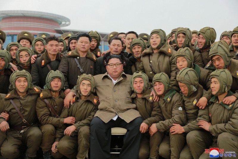 Kim Jong Un awasi latihan udara saat AS, Korsel menunda latihan gabungan