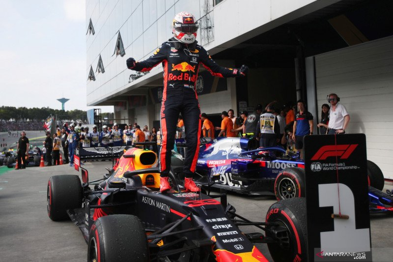 Max Verstappen menjuarai GP Brazil