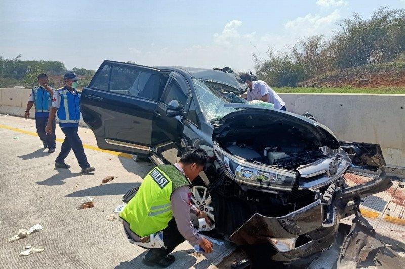 Tiga orang tewas dalam kecelakaan di Tol Batang-Semarang