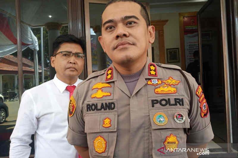Penggeledahan rumah terduga teroris Cirebon masih berlangsung