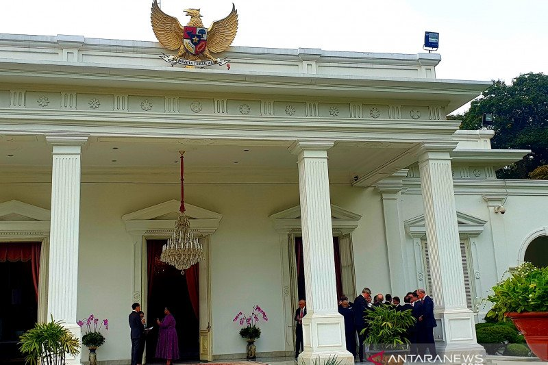 Jokowi holds veranda talk with 14 new foreign ambassadors